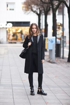 Caroline Blomst all black outfit