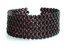 Superduo bracelet  http://www.sashe.sk/kacenkag/detail/cierno-cerveny