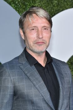 Mads Mikkelsen Photos Photos - Actor Mads Mikkelsen attends the 2016 GQ Men of the Year Party at Chateau Marmont on December 8, 2016 in Los Angeles, California. - 2016 GQ Men of the Year Party - Arrivals