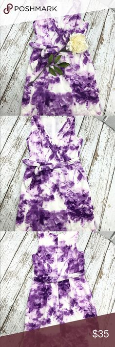 """💕SALE💕Banana Republic Lavender Floral Dress Gorgeous 💕Banana Republic Lavender Floral Dress 100% Cotton Fully Lined Great Condition 35"""" from the top of the shoulder to the bottom 18"""" from armpit to armpit 30"""" Waist Amazing Summer Dress Banana Republic Dresses"""