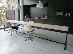 Wunderschöner skandinavischer Designtisch aus Bauholz mit einem Untergestell aus Stahl. Wir fertigen den Tisch genau nach Ihrem Wunsch an! Das Stahl ist pulver