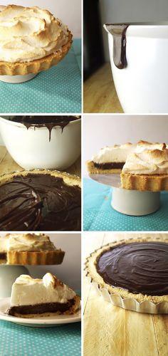 Olá! As tortas aos finais de semana já são uma tradição aqui, n'A Cozinha Coletiva. Mas fazer o quê, eu adoro fazer tortas! [como vocês já...