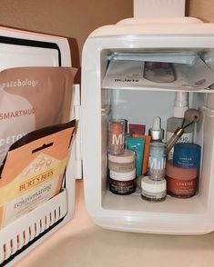 How much more aesthetically pleasing can a skincare fridge get? Organization, routine, and convenient for all of your skincare essentials. fridge aesthetic Cooluli Portable Thermoelectric Cooling and Warming Systems Beauty Care, Beauty Skin, Beauty Hacks, Diy Deodorant, Care Organization, Clear Skin Tips, Skin Care Routine For 20s, Mini Fridge, Healthy Skin Care