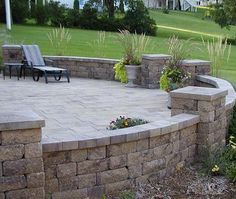 Google Image Result for http://www.envisionlandscaping.com/garden_wall/images/ab_courtyard_dublin.jpg