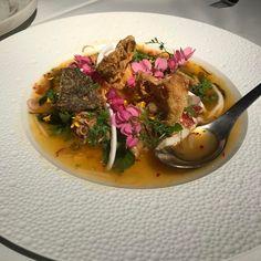 French lobster, kaffir lime juice, mandarin juice, buzz button flowers and crispy seaweed. Bang! �� #pastebangkok #gaysorn #gaysornfoodvillage #finedining #thaicuisine #thaifood #foodie #foodporn #foodpics #foodstagram #bangkokfoodies #yummy #nomnom #foodlover #foodpresentation #foodphotography #foodiegram #cuisine #chef #gaysornvillage http://w3food.com/ipost/1523292553587712872/?code=BUj0oG5l-No