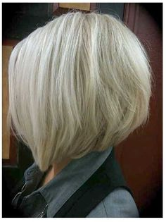 Short Stacked Bob Haircut for Fine Hair Stacked Bob Hairstyles, Bob Hairstyles For Fine Hair, Bob Haircuts, Medium Haircuts, Wedge Hairstyles, Hairstyles Haircuts, Celebrity Haircuts, Hairstyles Pictures, Trendy Hairstyles