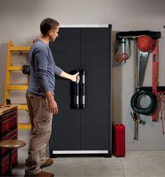 Plastová skříň Keter XL Garage nabízí mimořádně velké úložné řešení s robustní a odolnou konstrukcí vůči rzi, promáčknutí, prohnutí nebo jiného mechanického poškození. Vyznačuje se elegantním designem, lehkou hmotností a tím i snadnou manipulací a umístěním. Tento pomocník pro skladování vám může pomoct přinést pořádek i do těch nejpřehlednějších garáží. Plastic Cupboard, Door Curtains, Door Design, Storage Solutions, Tall Cabinet Storage, Police, Doors, Rust, Construction