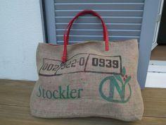 Détail anse It Bag, Burlap Tote, Diy Accessoires, Creations, Reusable Tote Bags, Dimensions, Couture, Sewing, Style