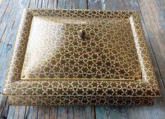 SIGNED KHATAM KARI PERSIAN WOOD MARQUETRY INLAY MICRO MOSAIC ISLAMIC BOX