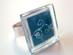 """Anillo vidrio """"Ivy"""". Ajustable. Azul turquesa de BGLASSbcn por DaWanda.com"""