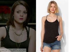 Carter Stevens (Kathryn Prescott) wears this grey marl racer back tank top/singlet in this episode of Finding Carter. It is the UO Donna Racerback Tank Top . Buy it HERE for $16