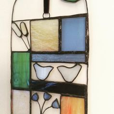 No automatic alt text available. So Creative, Stained Glass Projects, Wire Crafts, Little Birds, Glass Birds, Wire Art, Summer Garden, Suncatchers, Candle Sconces
