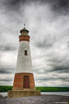 Stunning lighthouse - Lighthouse Point, Florida