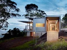 CONTOUR HOUSE BY PETER STUTCHBURY ARCHITECTURE