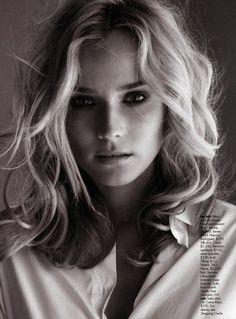 Diane Kruger loose medium hair - hairstyles shoulder curly medium