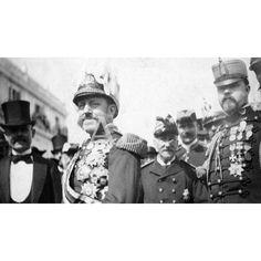 """EL 98. LA GUERRA DE CUBA. EL GENERAL VALERIANO WEYLER A SU LLEGADA A LA HABANA. WEILER FUE OBJETO DE UNA DURÍSIMA CAMPAÑA POR PARTE DEL MAGNATE DE LA PRENSA """"AMARILLA"""", NORTEAMERICANA HEARST.01/04/1896: Descarga y compra fotografías históricas en   abcfoto.abc.es"""