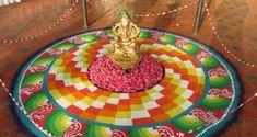 Get hundreds of pretty free hand rangoli designs for all occasion. Make these gorgeous free hand rangoli designs for Diwali, Dussehra, Holi, Ugadi or Gudi. 3d Rangoli, Rangoli Colours, Rangoli Patterns, Rangoli Ideas, Simple Rangoli, Diwali Greeting Cards, Diwali Greetings, Diwali Wishes, Happy Diwali