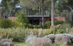 Une belle maison, économique et écologique, montée en 4 jours par 4 personnes… Trop beau pour être vrai? Oui bien..