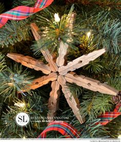 Wooden Clothespin Snowflake Ornaments - Easy to make homemade ornaments or gift toppers using inexpensive wooden clothespins - DIY @ Craft's Homemade Ornaments, Diy Christmas Ornaments, Homemade Christmas, Rustic Christmas, Christmas Holidays, Christmas Decorations, Snowflake Ornaments, Holiday Decorating, Decorating Ideas