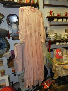SPECIAL PRICE Original 1945 Crepe de chine Vintage Dress