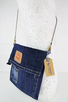 Your place to buy and sell all things handmade Denim Handbags, Denim Tote Bags, Denim Purse, Diy Jeans, Mochila Hippie, Blue Jean Purses, Bags Travel, Denim Ideas, Denim Crafts