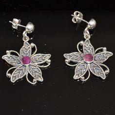 Aparte zilveren oorbellen met paarse spondylus (stekeloesters) Exclusief design Gratis verzending in Nederland www.dczilverjuwelier.nl