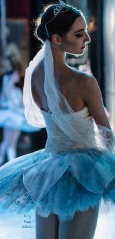 La Bayadere, Ballet Photography, Trance, Dancers, Wonders Of The World, Ballet Skirt, Heart, Fashion, Moda
