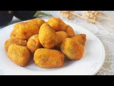 CROQUETAS DE BERENJENAS - YouTube Candy Recipes, Great Recipes, Eggplant Recipes, Sin Gluten, Kitchen Recipes, Tapas, Vegetable Recipes, Food And Drink, Veggies
