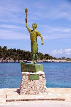 Aλλος Τρόπος Εκφρασης! Γεώργιος Βελλιανίτης: ΚΑΤΑΣΤΑΣΗ ΑΠΕΛΠΙΣΙΑΣ Economic Analysis, Still Standing, Corfu, The Visitors, Statue Of Liberty, Island, Blog, Liberty Statue, Block Island