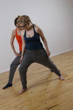 re-sources - doing yoga together. Den Økologiske Produktionsskole