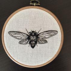 Een persoonlijke favoriet uit mijn Etsy shop https://www.etsy.com/listing/289204667/embroidery-hoop-cicada