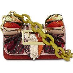 Burberry Metallic watersnake buckle bag (€2.240) ❤ liked on Polyvore featuring bags, handbags, burberry handbags, snake print purse, strap purse, ruffle purse and python purse