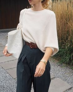 Fashion Tips Outfits Via Tips Outfits Via Anouk Yve Mode Outfits, Fashion Outfits, Womens Fashion, Fashion Tips, Fashion Hacks, Petite Fashion, Modest Fashion, Fashion Bloggers, Fashion Trends