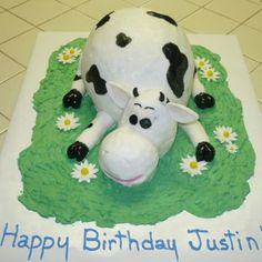 . Farm Animal Cakes, Farm Animals, Cow Cakes, Cupcake Cakes, Air Brush Painting, Cool Diy Projects, Cake Mold, Cake Creations, Cupcake