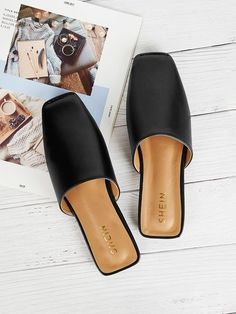 SHEIN offers Plain Square Toe Flat Mules & more to fit your fashionable needs. Mules Shoes, Wedge Shoes, Women's Shoes, Shoes Sneakers, Flat Sandals, Black Shoes, Flat Mules, Estilo Fashion, Studded Heels