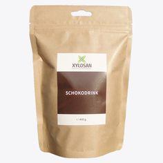 Für unseren Schokodrink verwenden wir hochwertige Inhaltsstoffe, nach Möglichkeit aus nachhaltiger Landwirtschaft. Der Drink ist vegan und zu 100% mit Xylit gesüßt. Xylit ist ein natürlicher Zuckerersatz. Es ist nicht kariogen und erhöht den Blutzuckerspiegel weniger stark als zuckerhaltige Produkte. Stark, Vegan, Coffee, Drinks, Food, Sustainable Farming, Blood Glucose Levels, Sustainability, Products