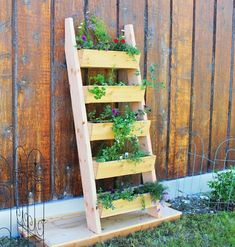 If you are adept at doing DIY things that you don't need to devote a whole lot of money to possess amazing furniture for your outdoor space. Have a look at these 20 DIY garden furniture ideas to find inspiration. Plantador Vertical, Jardim Vertical Diy, Vertical Garden Diy, Vertical Planter, Vertical Gardens, Diy Planters, Garden Planters, Herb Garden, Garden Seats