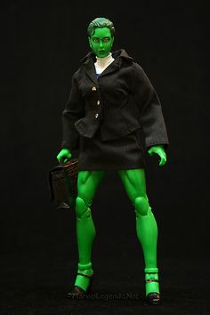Marvel Legends She-Hulk Lawyer  // Pinned by: Marvelicious Toys - The Marvel Universe Toy & Collectibles Podcast [ m a r v e l i c i o u s t o y s . c o m ]