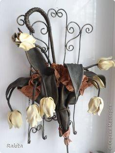 Ключница, сделана по прекрасному МК  ДаВалентина, спасибо ей за него. Использована кожа и проволока. фото 1