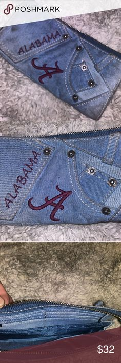 ALABAMA the teaM bRanD clutcH LaDiES waLLeT tidr rolm ladies! Dont miss out on this one if od a kins clutcH wallet as it appears in your face just days before the ncaa playoffs begin! Questions in the comments are alwayz answered! Great condition and Majestic is meeely tagged becausd Alabama isnt listed unfortunately! I try my best to ship all orders by the business day after payment is received and I work very hard to earn every one's perfect feedback. Please share this. Majestic Bags…