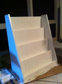 DIY front facing bookshelf for classroom