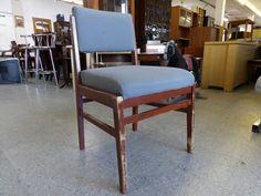 Chair ---------------- £5 (pc520)