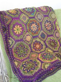Ravelry: Project Gallery for Spanish Tiles pattern by Tammy Hildebrand - beautiful color combo
