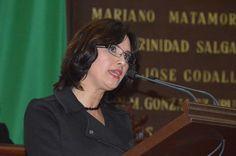 """La presidenta de la Comisión de Migración en el Congreso del Estado, Macarena Chávez, precisó que dicha atención debe desarrollarse en particular en este periodo vacacional del mes de diciembre, como parte de acción de refuerzo del Programa """"Paisano""""."""