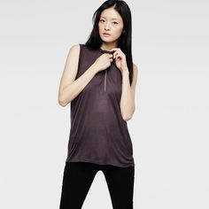 Sleeveless top in a relaxed fit that drapes softly on the body.