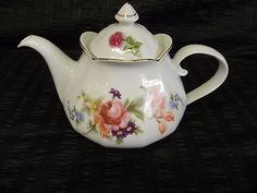 Jlmenau Graf Von Henneberg Porzellan Teapot with Flowers