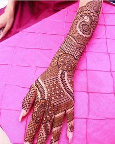 Are you checking for latest bridal mehndi designs for your upcoming big day? Here are the best and latest trending mehndi designs for every bride. Check them out here Arabic Bridal Mehndi Designs, Indian Mehndi Designs, Mehndi Designs For Girls, Unique Mehndi Designs, Mehndi Design Pictures, Beautiful Mehndi Design, Mehndi Images, Rangoli Designs, Mehendi
