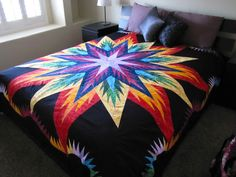 Canton Village Quilt Works ~ On the bed, Love this quilt Jackie Kunkel! Half Square Triangle Quilts Pattern, Le Triangle, Quilt Square Patterns, Quilt Patterns Free, Square Quilt, Lone Star Quilt, Star Quilt Blocks, Star Quilts, Quilting Designs