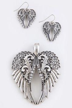 ANGEL WING PENDANT WITH DROP EARRINGS