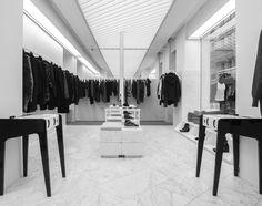 FASHION WEEK 2013 : OUVERTURE D'UN NOUVEL ECRIN...  Autour des collaborations imaginées par Maje, l'ouverture du nouvel écrin de la marque au 22 rue des Francs Bourgeois (Paris 3ème) est l'occasion de célébrer la Fashion Week parisienne à travers à nos différents ateliers ...
